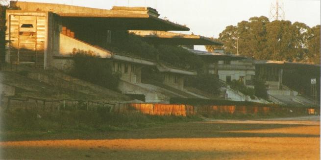 Equestrian Architecture_Maroñas Racecourse_Grandstand_Montevideo_Claudia Satrústegui©Daniel Villar