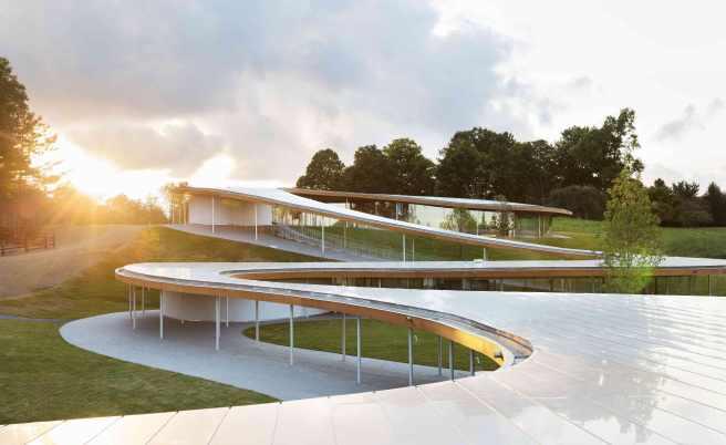 Equestrian architecture-Claudia Satrústegui-architecture-kinder garden-curves-design-SANAA-grace gardens