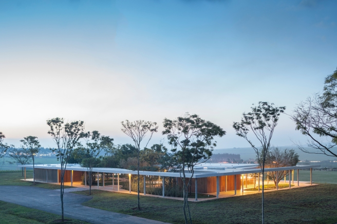 Equestrian architecture-Claudia Satrústegui-architecture-barn-stable-equestrian center-integration-design-Isay Weinfeld-horse-Brazil-Porto Feliz-Photographs Fernando Guerra